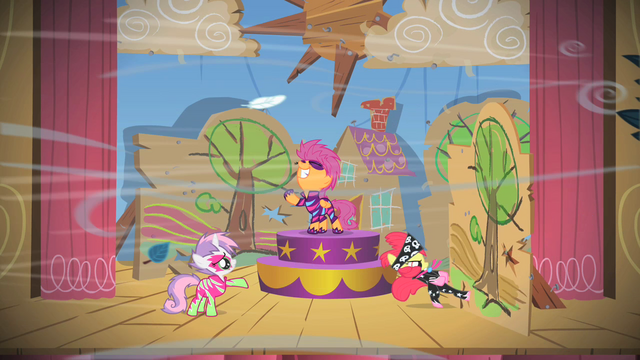 File:The Cutie Mark Crusaders Stage Show S01E18.png