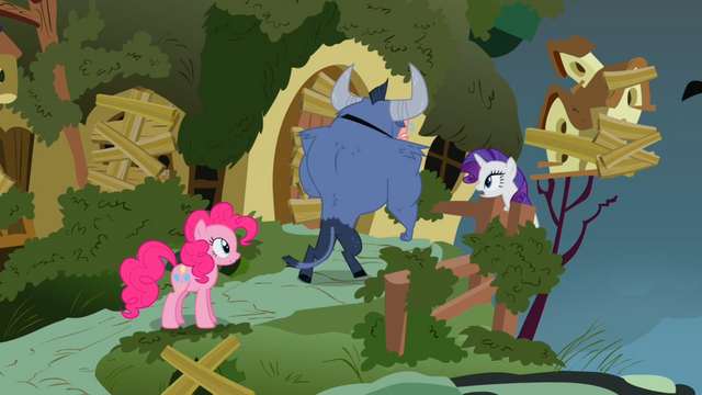 File:Iron Will Rarity Pinkie Pie3 S2E19.png
