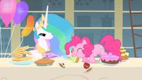 Pinkie Pie eats Celestia's cupcake S1E22