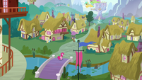 Pinkie walks on a bridge S5E19