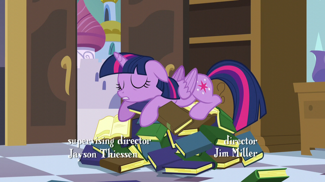 File:Twilight using books as a bed S5E10.png