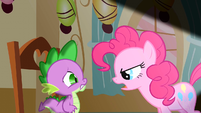 Pinkie Pie faces Spike S1E25