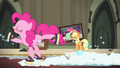"Pinkie Pie ""no, the other left!"" S4E06.png"