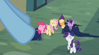 Rainbow Dash's friends S2E08