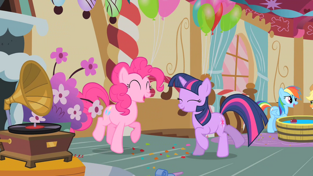 File:Pinkie Pie and Twilight dancing S01E25.png