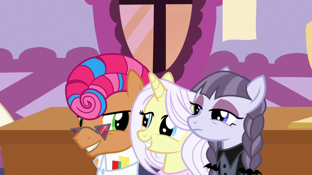 File:Contest ponies agree to cooperate with Applejack S7E9.png
