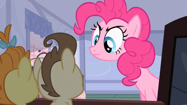 File:Pinkie Pie fall asleep S2E13.png