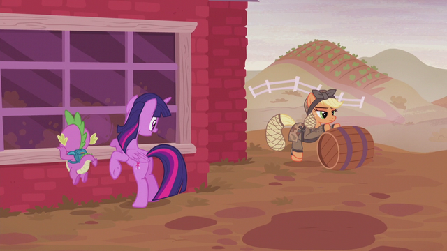 File:Twilight happy to see Applejack S5E25.png