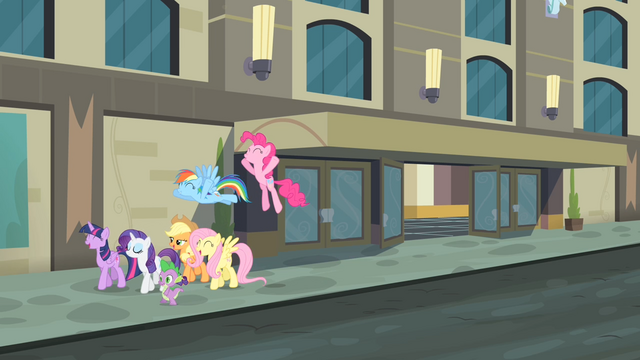 File:Main cast excited S4E08.png