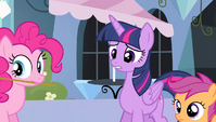 Twilight about to tell Spike the truth S4E24