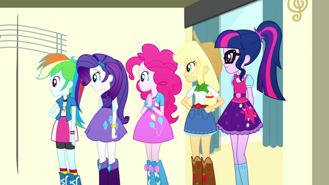 File:Twilight and friends looking at their pets SS7.png