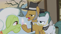 Igneous Rock Pie greeting Granny Smith S5E20