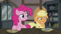 Pinkie notices Applejack's unease S5E20