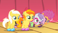 CMC hide behind Sunny Daze and Peachy Pie S1E18.png