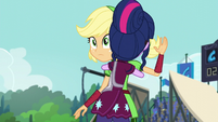 Twilight hugging Applejack EG3