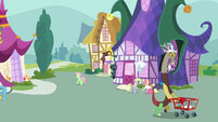 Discord heading to the party store S7E12