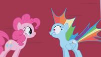 Pinkie Pie scares Rainbow Dash S01E05