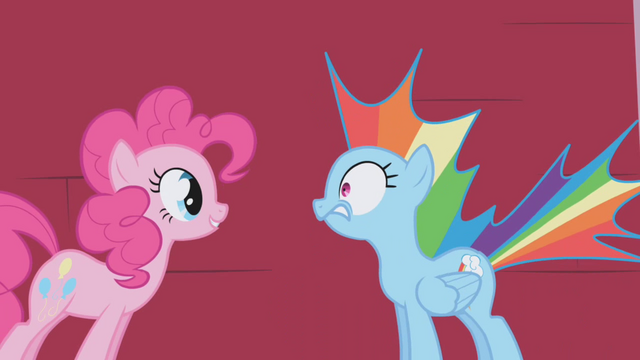 File:Pinkie Pie scares Rainbow Dash S01E05.png