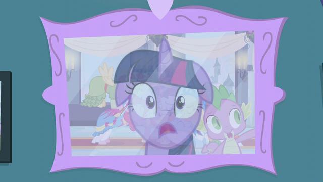 File:Twilight realizes something S5E12.png