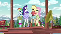 Equestria Girls shocked by Gloriosa's transformation EG4