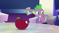 Spike about to run away S7E2.png
