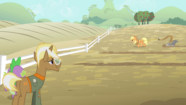 File:Spike and Trenderhoof looking at Applejack pulling the plow S4E13.png