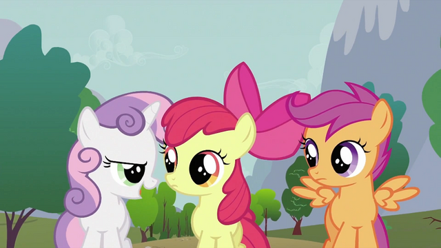 File:Sweetie Belle talking to other crusaders S2E23.png