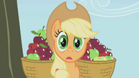 Applejack surprised S01E04