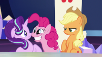 Pinkie bares a huge grin at Starlight S6E1