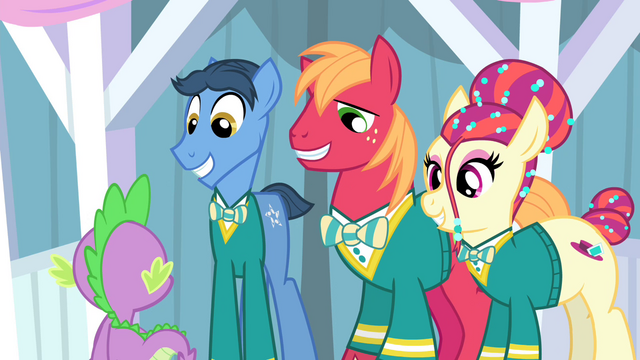 File:The Ponytones smiling S4E14.png