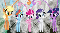 Main cast in Breezie forms S4E16
