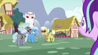 Starlight approaches Trixie and angry ponies S7E2