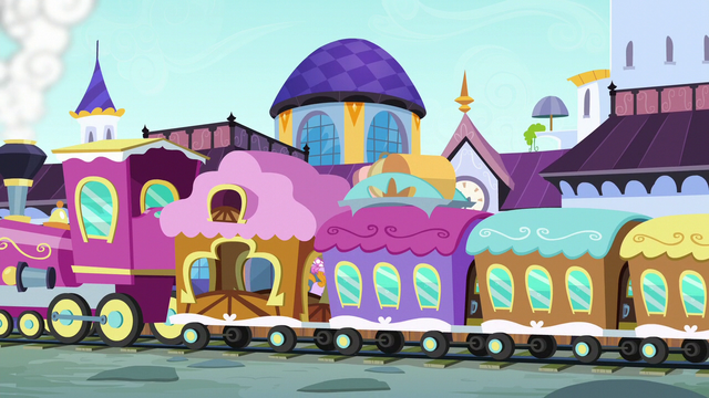 File:Friendship Express arrives at Canterlot S5E14.png