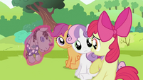 Apple Bloom talking S2E03