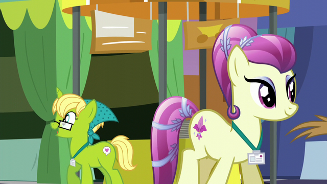 File:Bittersweet and Fleur de Verre exploring the summit S5E10.png