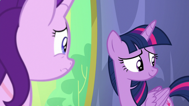 File:Twilight looking to her fellow princesses S7E1.png