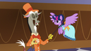 Discord talking with Twilight S5E7