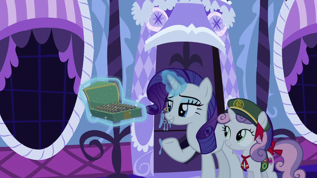 File:Rarity offering cookies to her friends S6E15.png