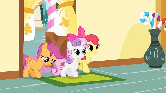 File:CMC walking in S1E23.png