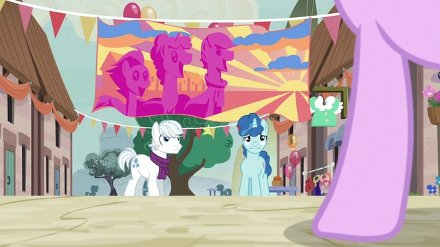 File:Diamond and Favor surprised to see Starlight return S6E26.png