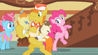 Pinkie Pie wants to play S2E13