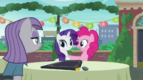 "Pinkie acting ""You are very welcome, Rarity!"" S6E3"