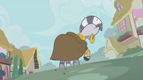 Zecora digging at the ground S1E09