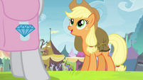 "Applejack ""you're not gonna believe it!"" S4E22"