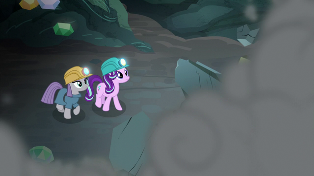 File:Starlight and Maud watch the wall collapse S7E4.png