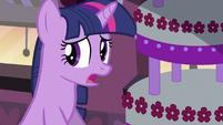 Twilight Sparkle find clues S2E24
