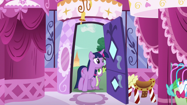 File:Twilight and Spike at Carousel Boutique entrance S5E22.png
