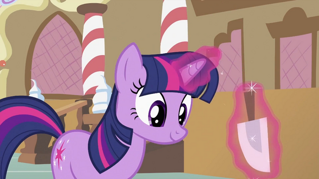 File:Twilight about to 'fix' the cupcakes S2E03.png