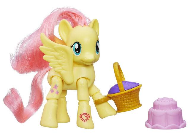 File:Explore Equestria Fluttershy Picnic poseable figure.jpg