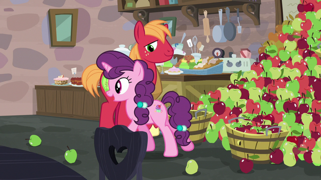 """File:Sugar Belle """"I get to bake all kinds of delicious treats!"""" S7E8.png"""